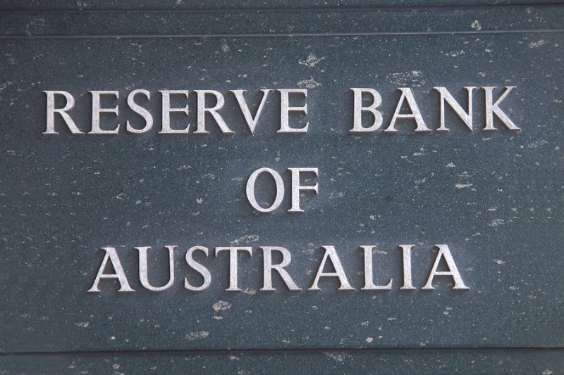 3.RBA in wait and see mode on rates