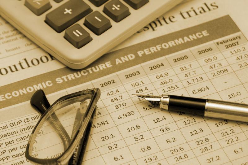 15_Economist expect slow growth pickup