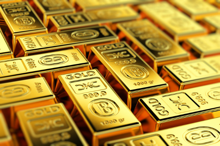 04_Gold prices follow oil prices lower