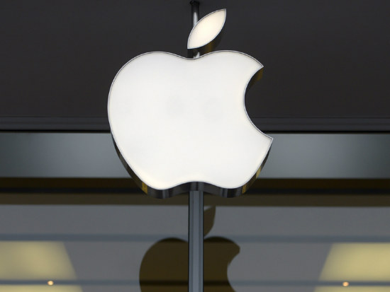 05_Apple sees first sales dip in a decade