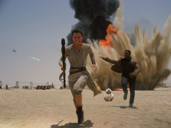 08-Star Wars continues box office domination