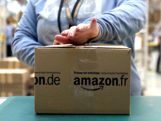 12_Amazon reportedly to open 400 book shops